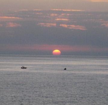 https://web.archive.org/web/20160429044628im_/http:/1.bp.blogspot.com/-oJMK75wieu8/TYuzwjMtYoI/AAAAAAAAAS0/0qZkHItC48c/s400/sunset.jpg